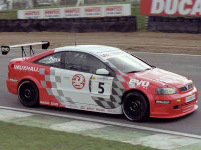 Jason Plato. 2001 Brands Hatch (© PSP Images)